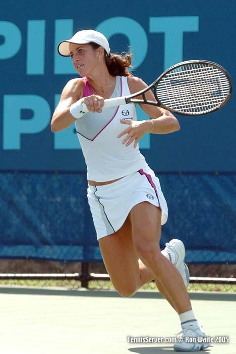 http://www.tennisserver.com/turbo/images/pilotpen05/waite/Farina2.jpg