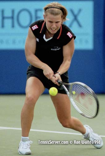 anke huber http://www.tennisserver.com/turbo/pilotpen98photo.html