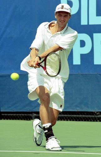 Karol Kucera Has A Great Two Handed Backhand His Dominant Hand Right Is In An Eastern Grip Notice That Left Arm Fully Straightened